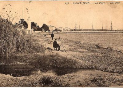 The beach of Golfe Juan 1915